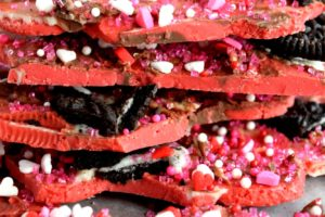 Valentine Oreo Cookie Chocolate Bark