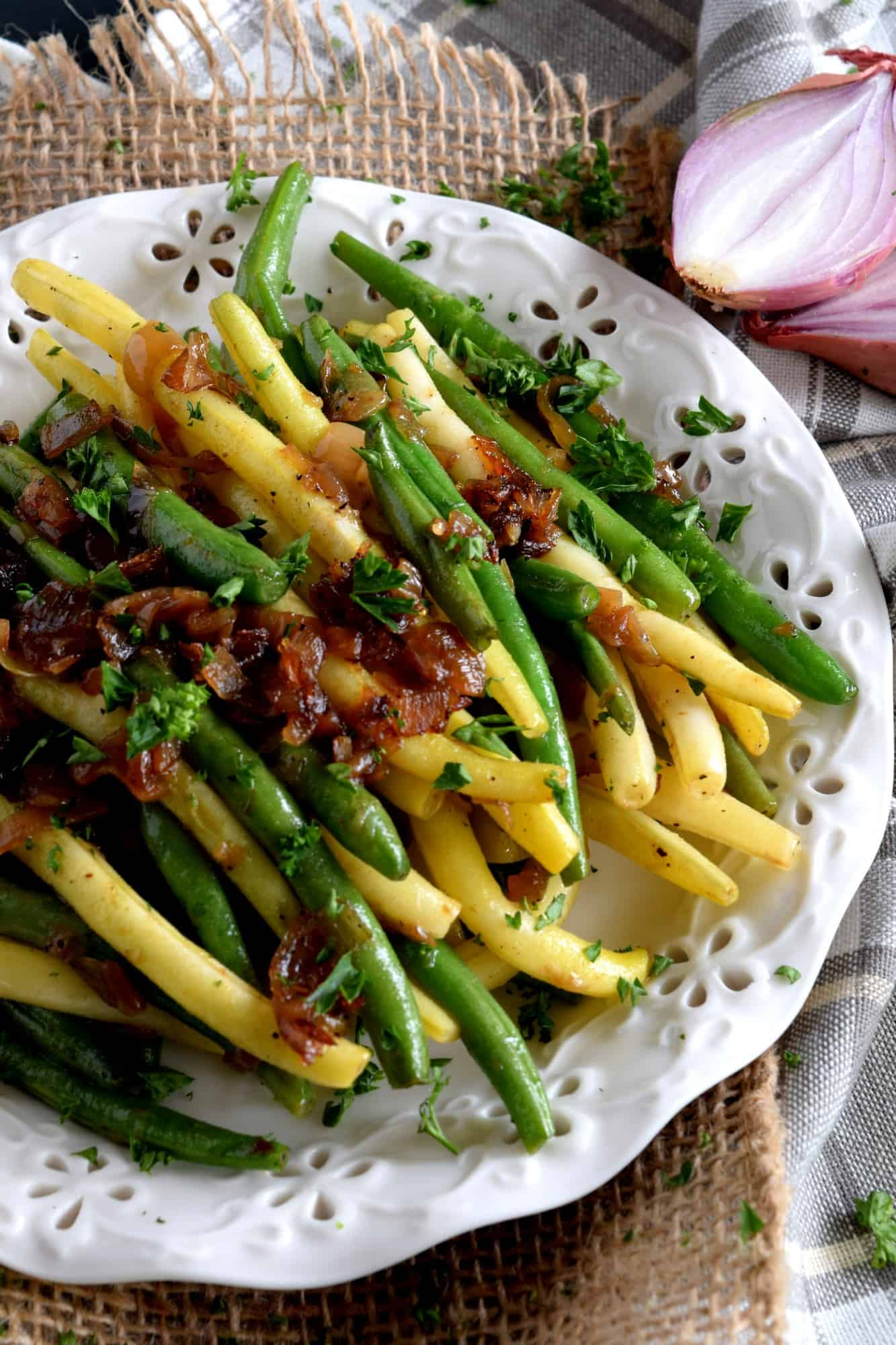 Green Beans Tossed With Shallots and Sesame Green Beans Tossed With Shallots and Sesame new foto