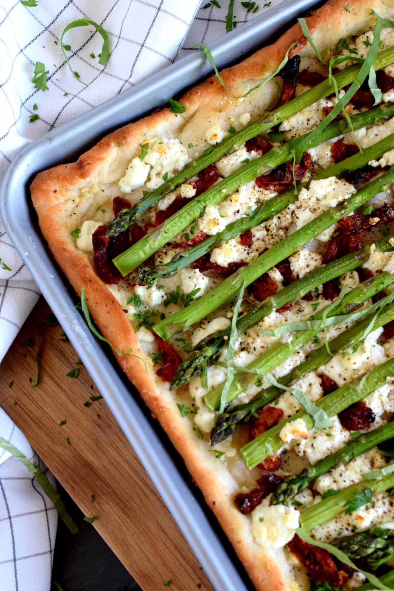 Asparagus And Goat Cheese Pizza