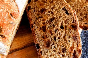 Dutch Oven Cinnamon Raisin Bread