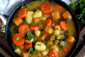 Chunky Vegetable And Spinach Soup