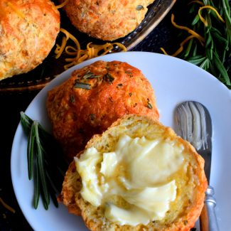 Rosemary Cheddar Dinner Rolls