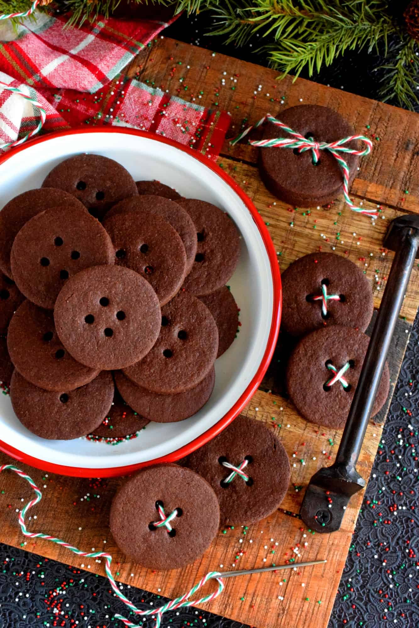 Spiced Chocolate Shortbread Buttons