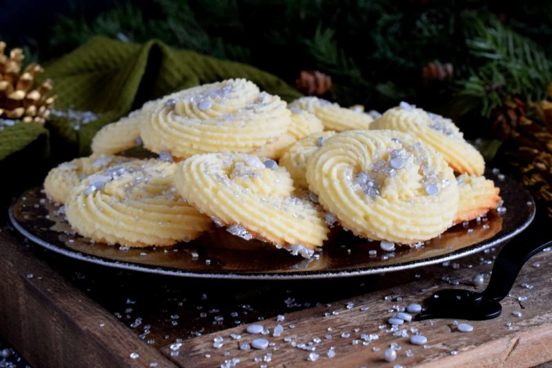 Holiday Piped Rosette Cookies