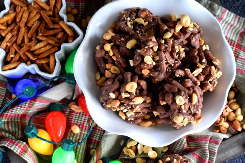 No Bake Chocolate Pretzel Peanut Cookies