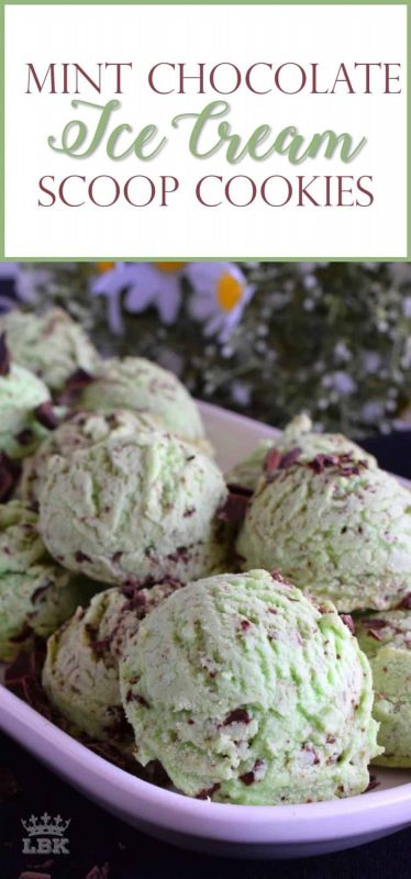 Mint Chocolate Ice Cream Scoop Cookies look just like a cold treat on a hot summer day! They are very easy to make and uses only every day pantry staples!#mint #chocolate #icecream #cookies