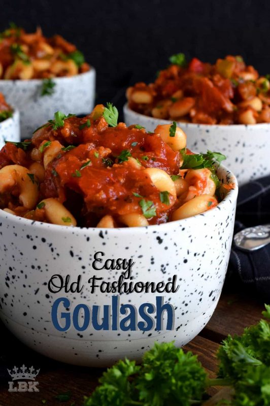Hearty ground beef and pasta are the main ingredients in this Easy Old Fashioned Goulash; loaded with peppers and tomatoes, this is a complete and nutritious meal! #goulash #oldfashioned #pasta #chopsuey #80srecipes