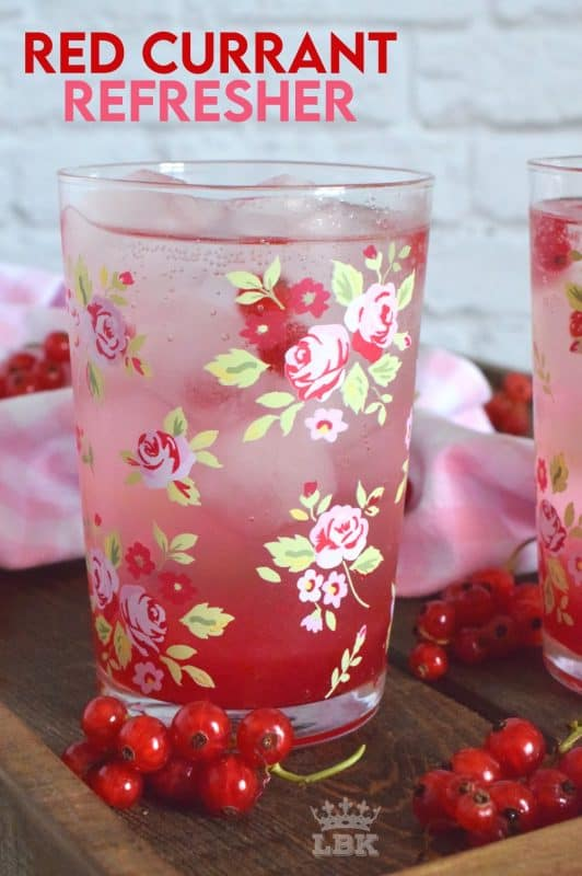 Cold, sweet, sparkling, and fizzy; Red Currant Refresher starts with a currant infused simple syrup and is stirred into lemon lime pop with lots of ice. Summer never tasted so good!#red #currant #redcurrants #currants #summer #drink #refresher