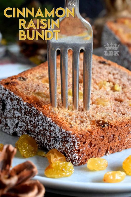 There's cinnamon raisin bagels and bread, so why not a bundt cake too? A light and moist cake with home-style flavours; perfect for the holidays! #cinnamon #raisin #bundt #cake #bundtbakers #christmas #holiday #baking