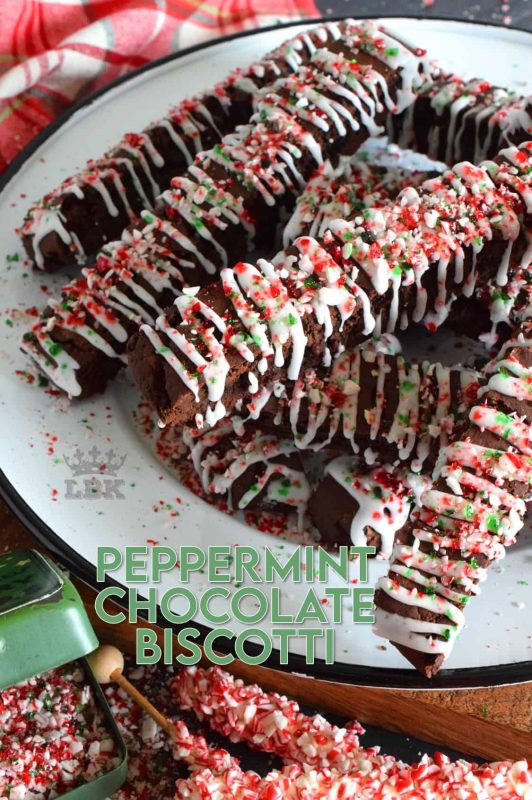 Loaded up with chocolate, Peppermint Chocolate Biscotti has cocoa, chocolate chips, and a white chocolate drizzle. For fun and flavour, there's crushed candy canes too! #candycanes #peppermint #chocolate #biscotti #christmas #holiday #baking #cookies