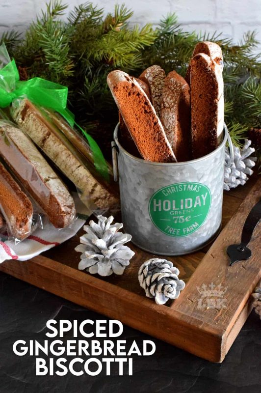 What is Christmas without gingerbread? Spiced Gingerbread Biscotti will fulfill all of those cravings for homestyle, comforting, holiday flavours! #gingerbread #spiced #biscotti #cookies #christmas #holiday #baking