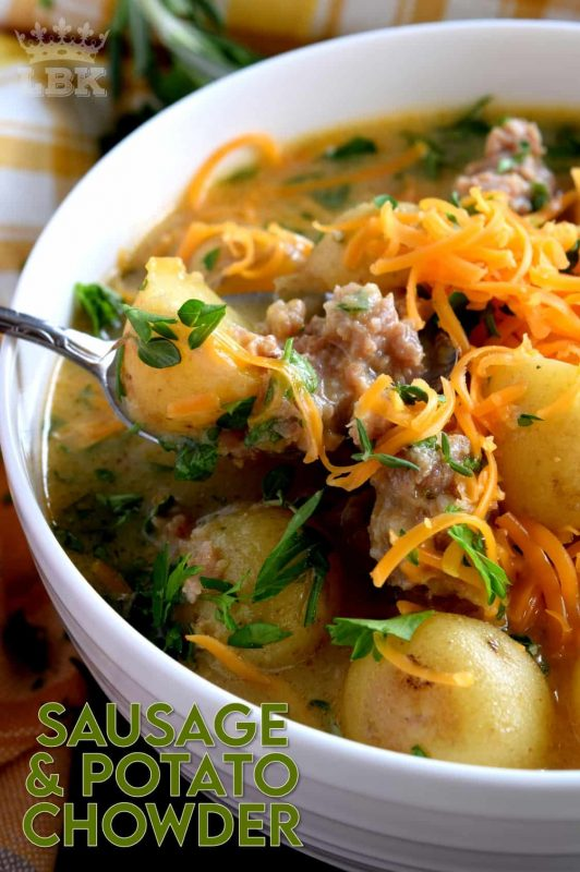 A savoury and hearty chowder which satisfies the cold weather hunger.  Italian Sausage and Potato Chowder is flavourful and filling; you're going to love this recipe! #sausage #italiansausage #chowder #potatosoup #cheese