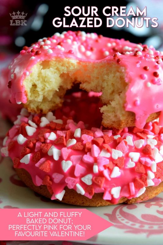 Sour Cream Vanilla Glazed Donuts are baked to perfection in only 10 minutes! Share these with your favourite valentine or save them all for yourself! #valentines #recipes #pink #donuts #baked