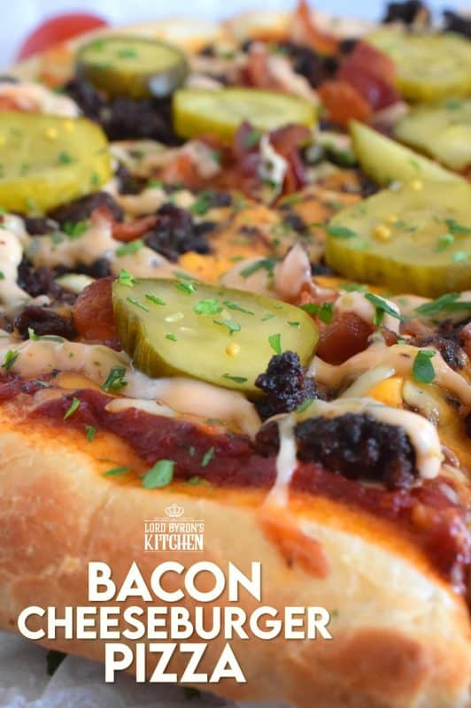 Bacon Cheeseburger Pizza combines the best of two fast food worlds into one! Prepared with ground beef, cheese, pickles, and a copycat burger sauce. Who could resist? #pizza #cheeseburger #beef #bacon #pizzaburger #burgerpizza