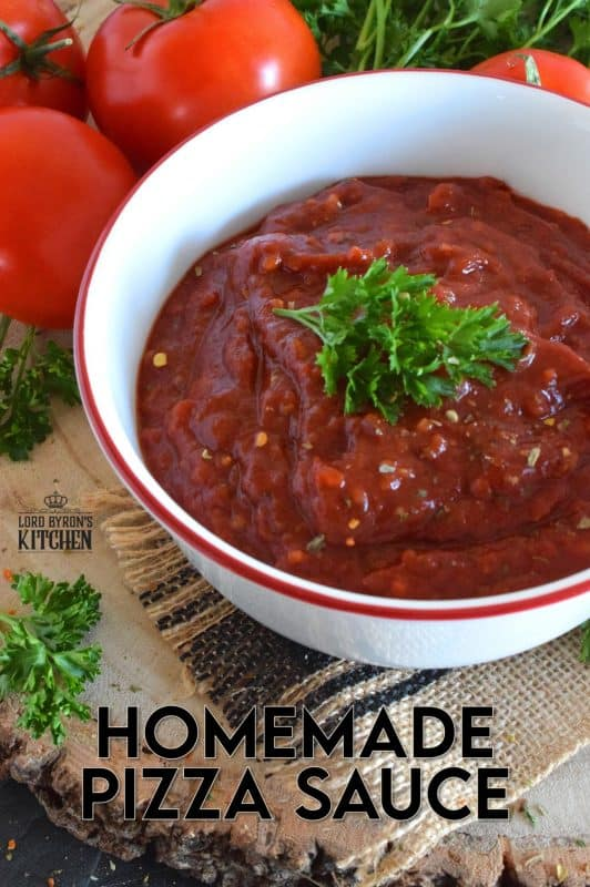 Every good pizza starts with a good pizza crust, but without a good Homemade Pizza Sauce, that crust is just dough! This sauce has all the best pizza seasonings you need and more! #pizza #pizzasauce #homemade #homemadepizza #sauce