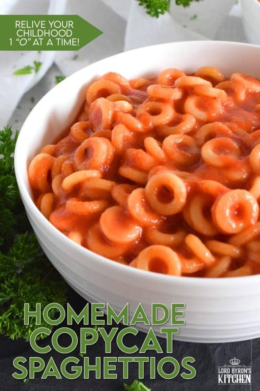 Store-bought, canned, o-shaped pasta in tomato sauce was a favourite meal of every kid in the 80s and 90s. Homemade Copycat Spaghettios allows you to enjoy your favourite childhood pasta without all of the preservatives and additives. The sauce is so quick and easy to make, and this dish comes together in the amount of time it takes to boil the pasta! #spaghettios #copycat #copycatrecipes #pasta #vegetarian #cookingforkids #familyrecipes
