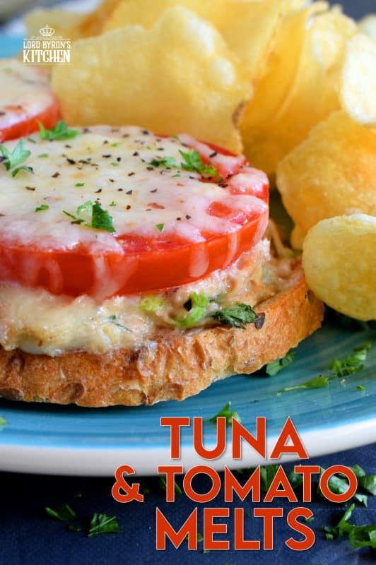 Looking for new ways to use canned tuna? Look no further! Tuna and Tomato Melts are our new family favourite weeknight dinner! All you need is a baking sheet, so there's very little clean up. Serve with a side of kettle chips for a delicious meal! #tuna #sandwiches #dinner #melt #tunamelt
