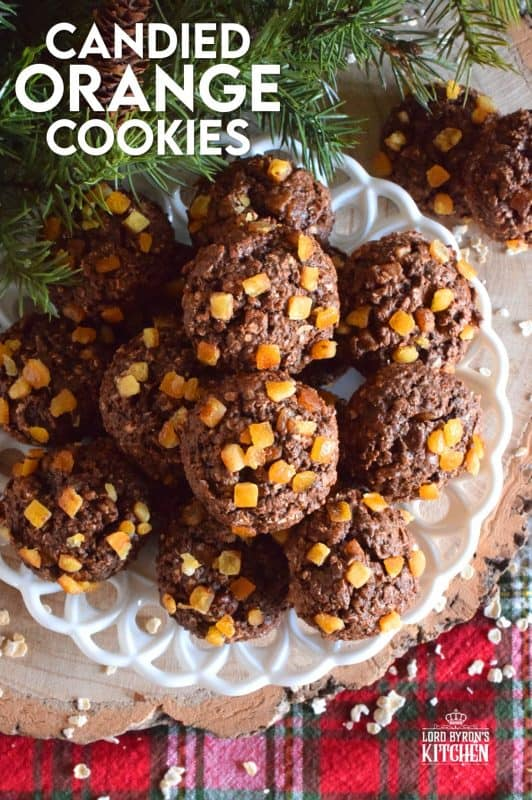 When it comes to Christmas ingredients, candied fruit is always present. Candied Orange Cookies are healthy and delicious; prepared with honey, brown sugar, oats, and cocoa. Who could resist? #candied #orange #chocolate #cookies #christmas #holiday #baking
