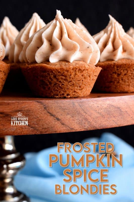 Perfectly portion sized, these frosted two-bite blondies are loaded with pumpkin spice flavour both on the inside and outside, and they're pretty too! #blondies #pumpkinspice #pumpkin #frosted